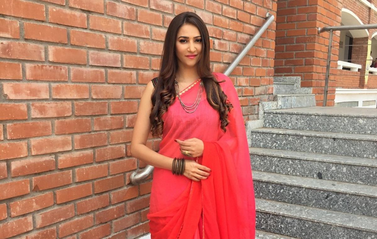 Rishina Kandhari turns attractive English teacher in Meri Durga