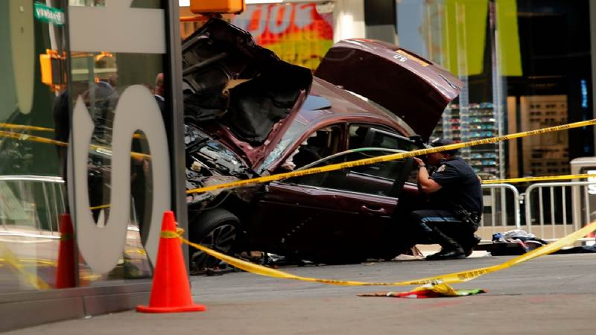 Shocking Video: One killed as speeding car rams into horrified pedestrians in Times Square