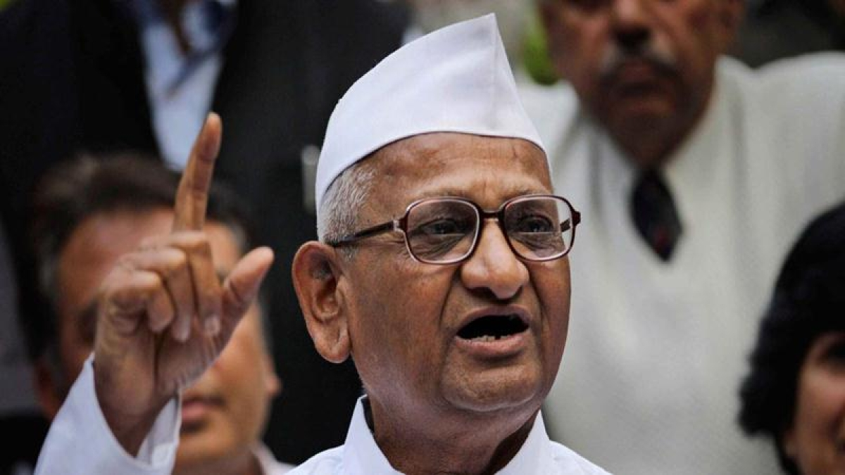 Maharashtra: Anna Hazare calls of fast; says happy with outcome of talks with CM Devendra Fadnavis