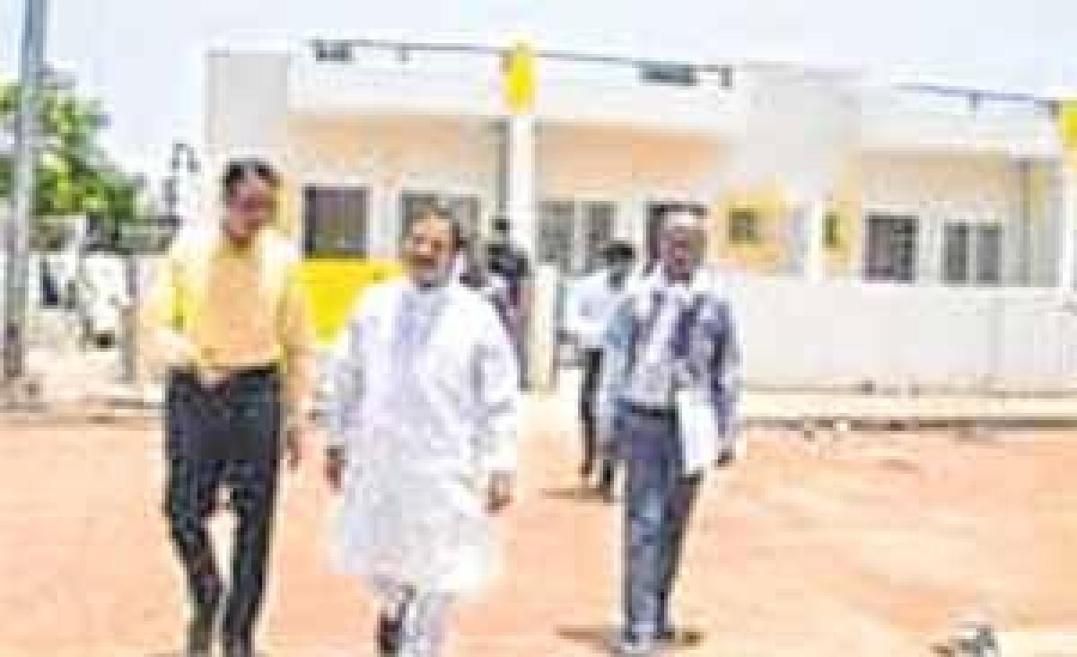 Bhopal: Krishnamurari Moghe inspects 'Housing Park'