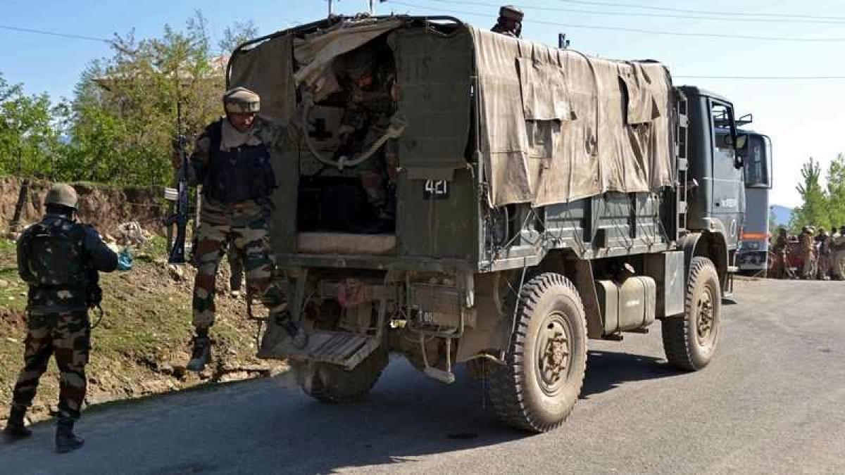 Jammu and Kashmir: Gunmen loot Rs 65,000 from Kulgam bank