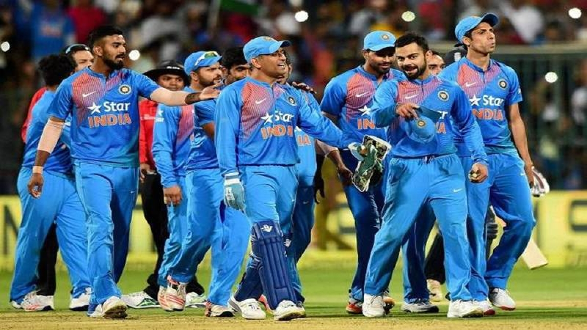 Indian cricket team to watch 'Sachin…' together
