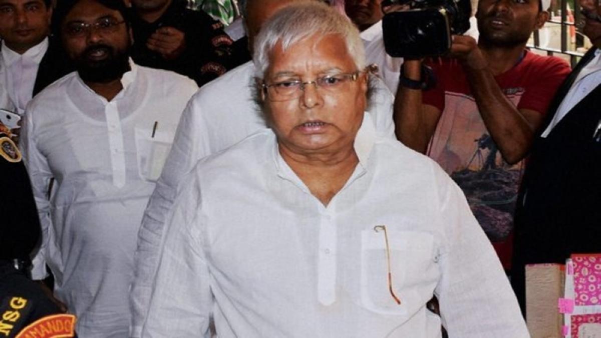 Lalu Prasad Yadav lands in hotel scam, CBI raids at 21 places