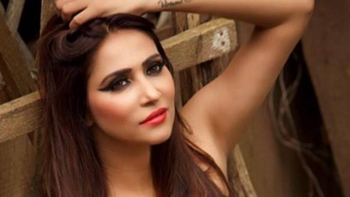 Rishina Kandhari slays the summer like a boss in this pool picture