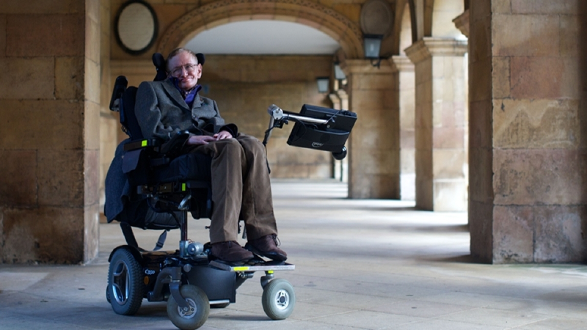 British physicist Stephen Hawking no more: Rare and unseen photos of the renowned physicist