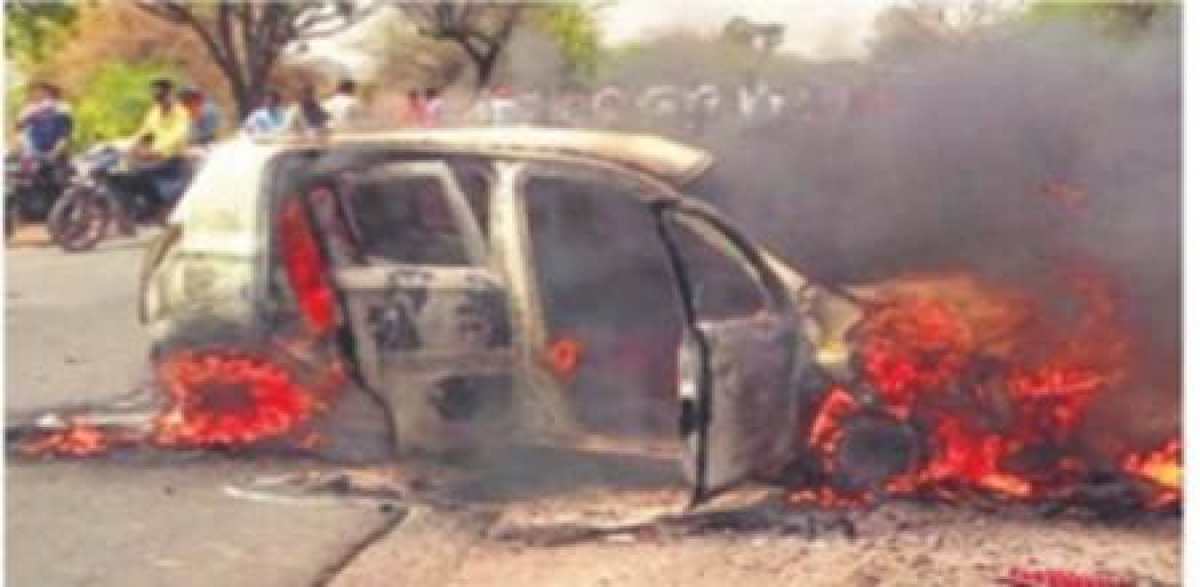 Bhopal: Three charred to death as car, bikes catch fire after collision