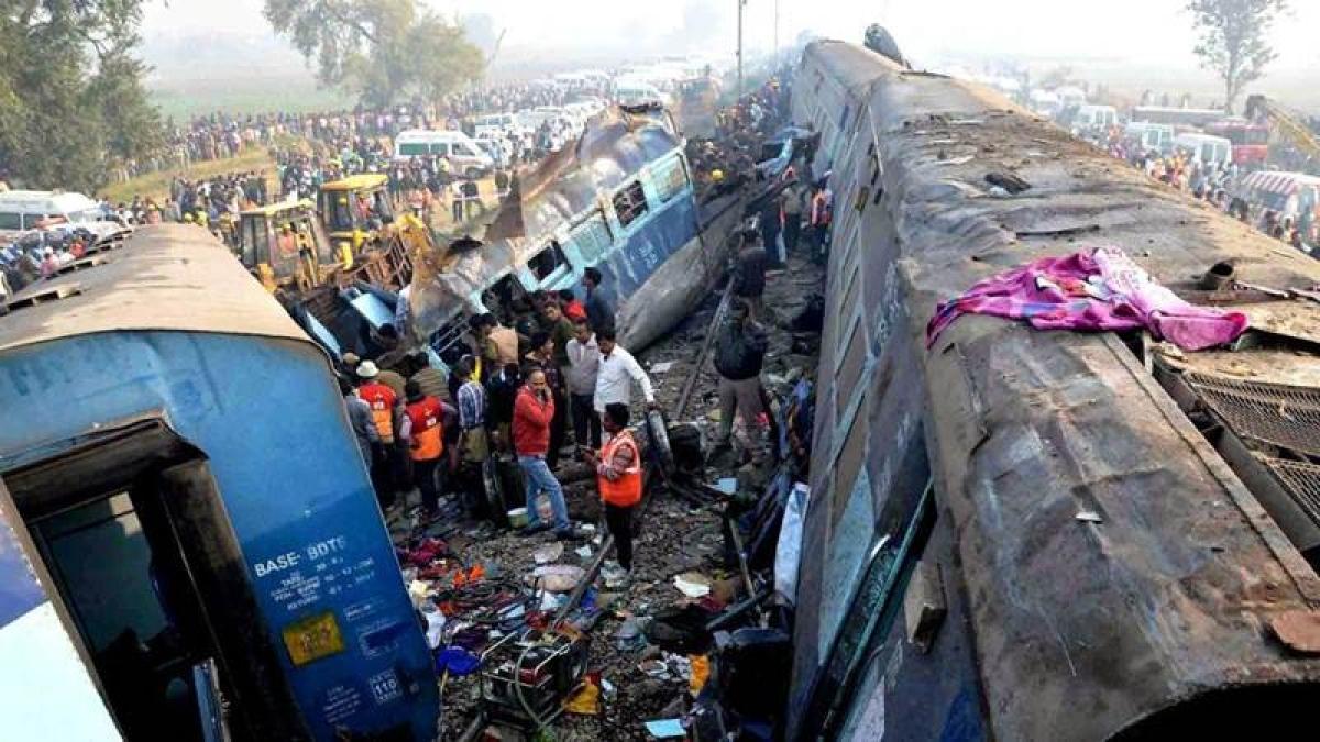 Mumbai tragedy: Kerala teenager loses life in train mishap in Vasai