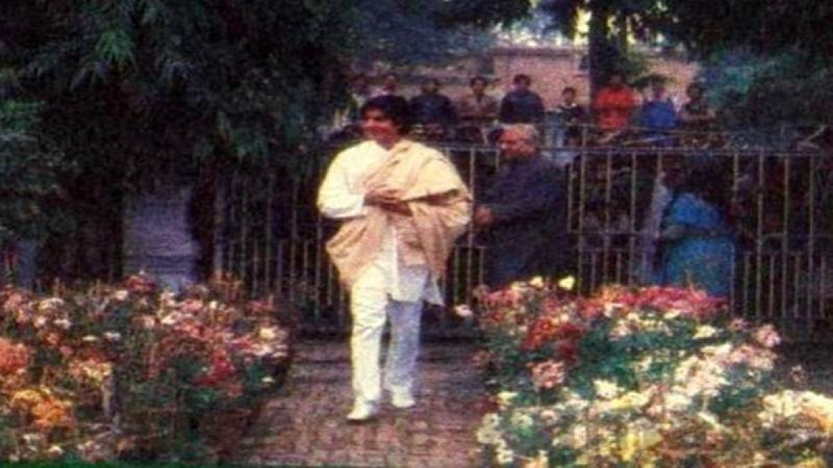 Bollywood flashback: When superstar Amitabh Bachchan stayed in a rented house