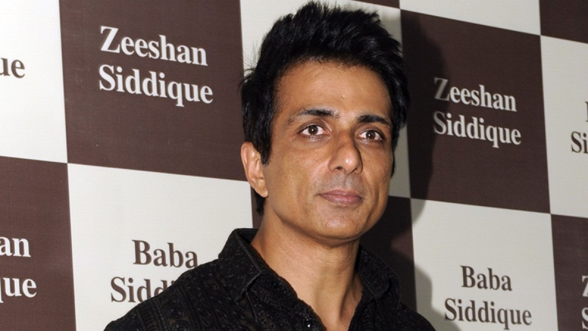 'Please don't give me Godly status,' says Sonu Sood as a man worships him for his selfless work