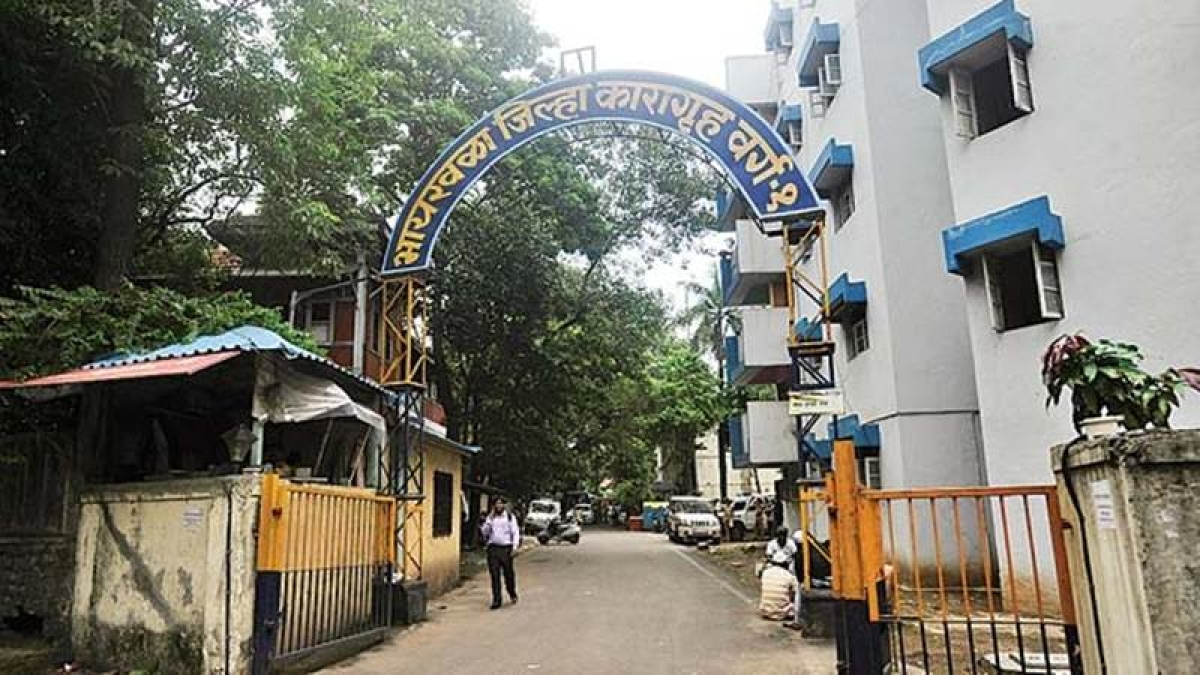 Mumbai: Eight more Byculla jail inmates hospitalised due to persistent vomiting, diarrhea and other diseases