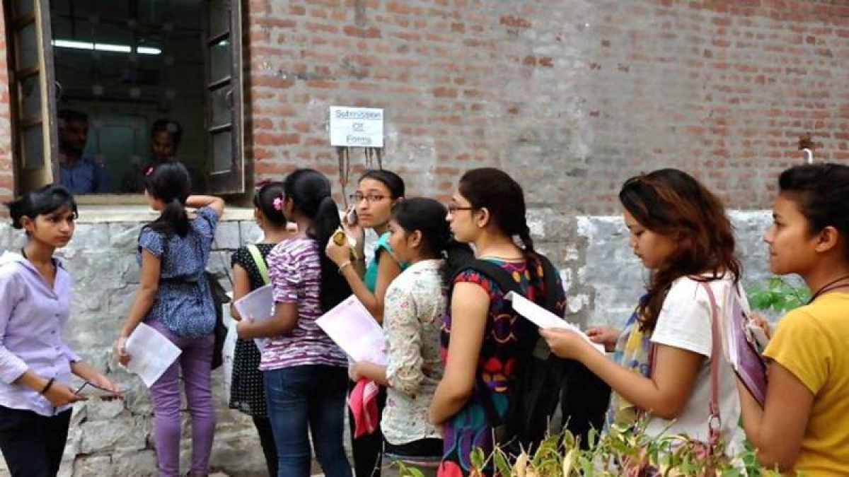 SSC Board results: After sharp dip in scores, students queue up outside Mumbai divisional board office for re-evaluation