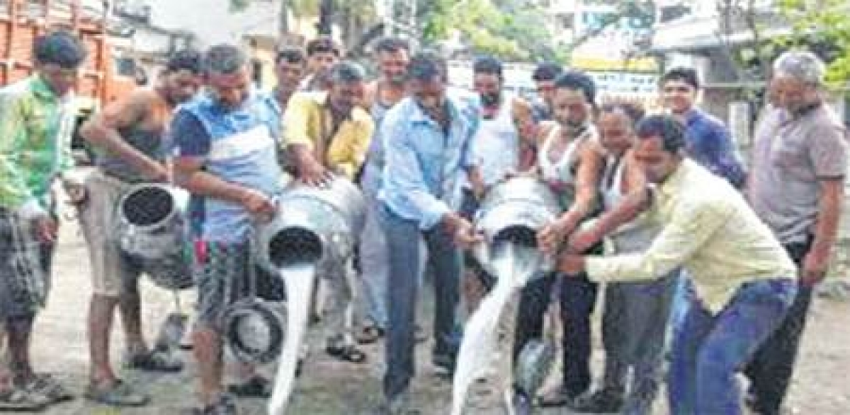 Ujjain: Kisan union strike hits common man hard