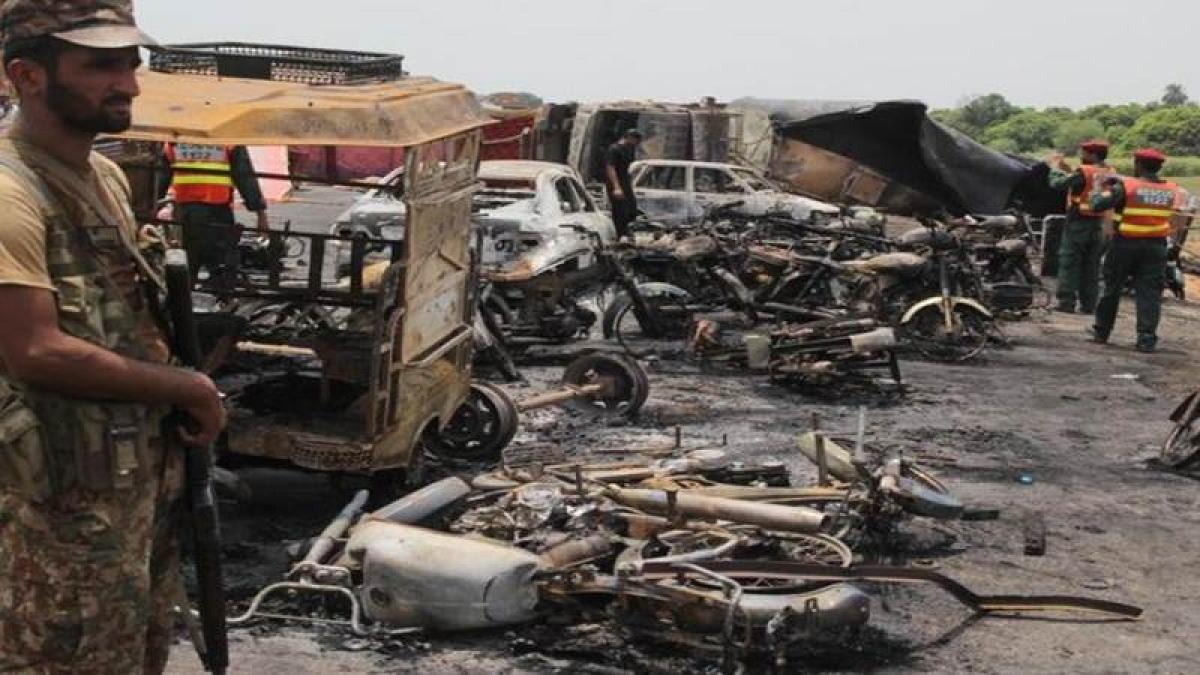 Pakistan tanker blast toll reaches 154