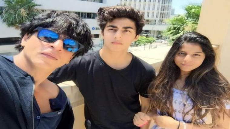 Media attention makes my kids feel awkward, says Shah Rukh