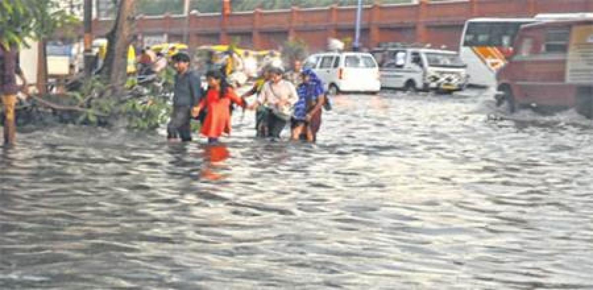 Indore: Short spell wreaks hell