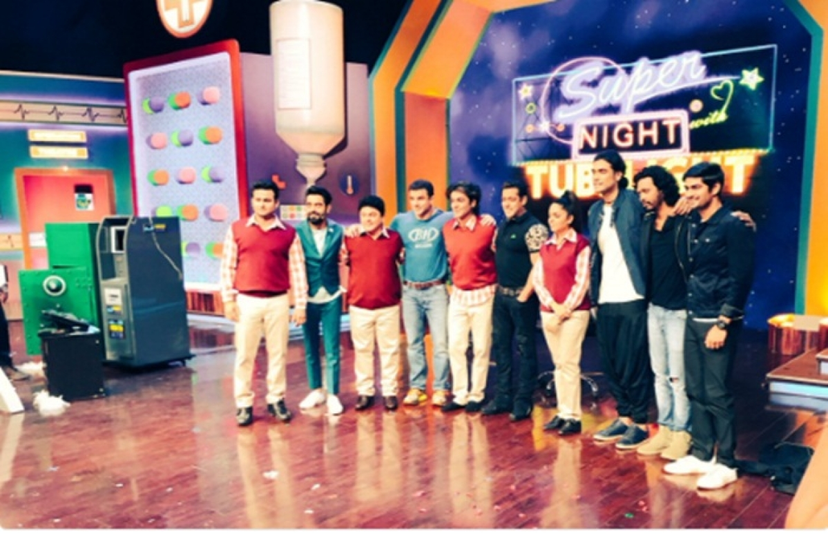 Sunil Grover unveils 'Super Night' with 'Tubelight', see pic here