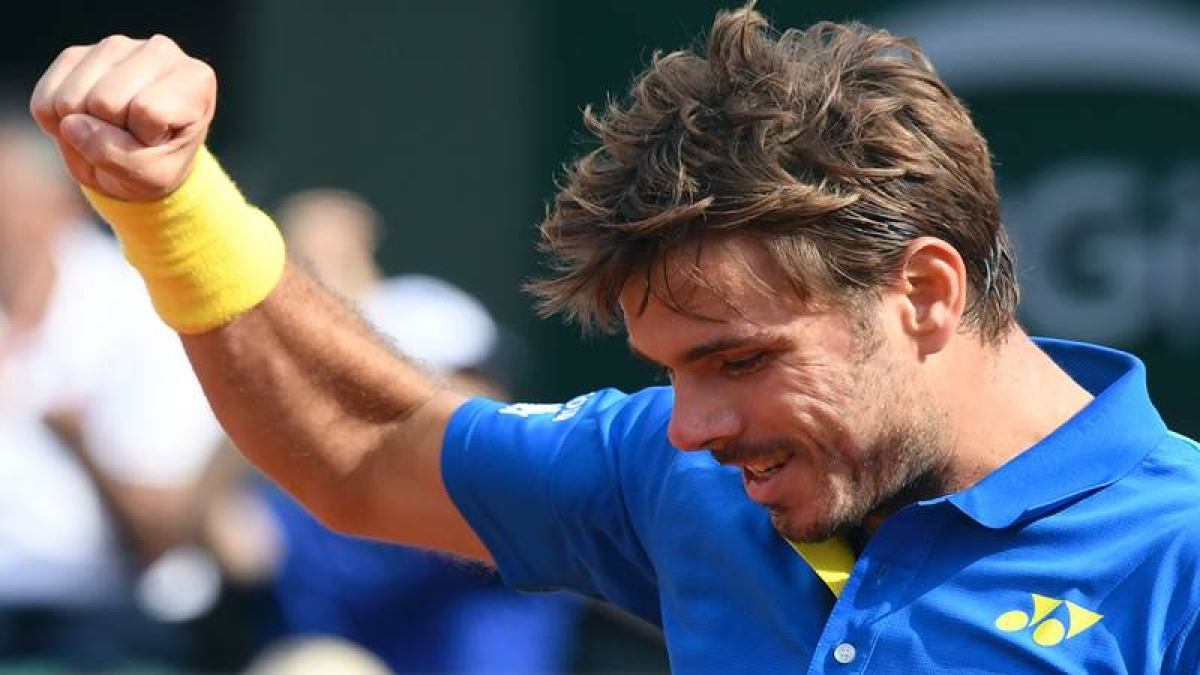 French Open 2017: Stan Wawrinka storms into quarter-finals
