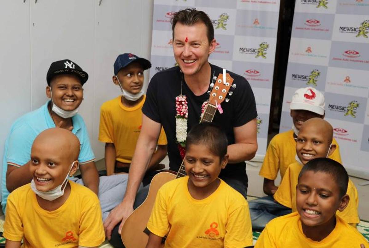 Former Australian cricketer Brett Lee spending time with children in Mumbai