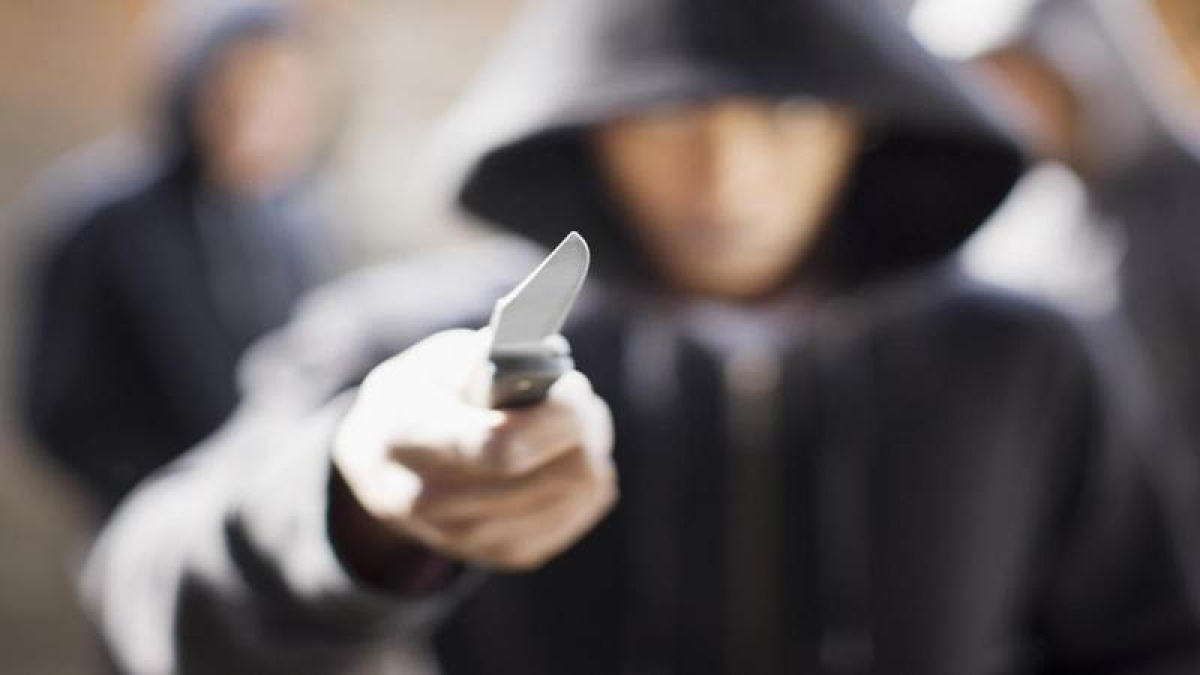 Robbers held for extorting money after posing as TCs