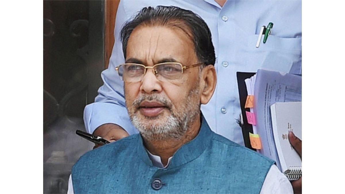 Union Minister Radha Mohan 'egged' in Odisha amid MP peasant protest