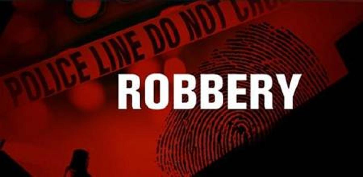 Mumbai: Daring robbery at pressure cooker factory at Sewri