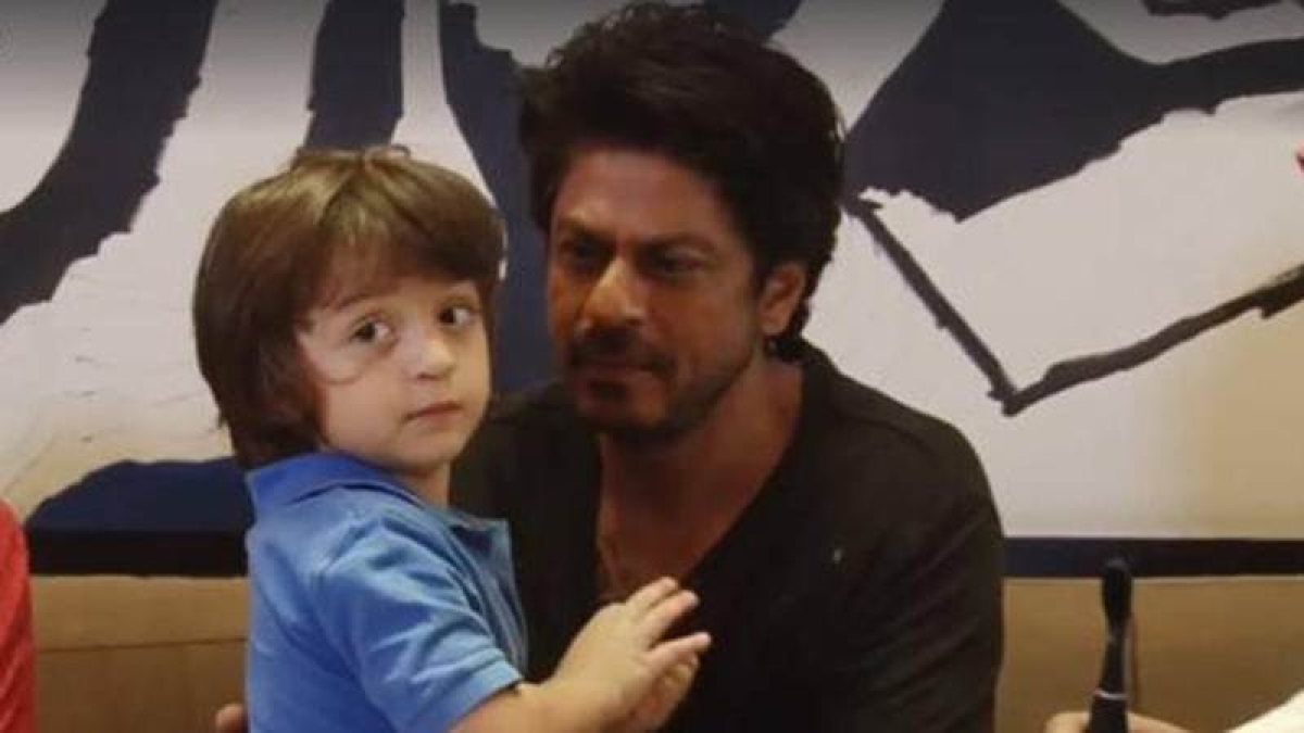 These pictures prove Shah Rukh Khan is the perfect family man
