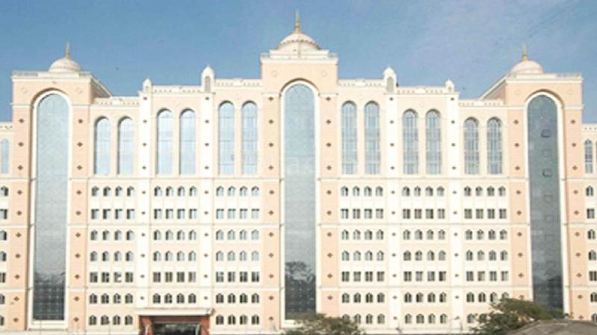 Mumbai hospital implants leadless pill-size pacemaker