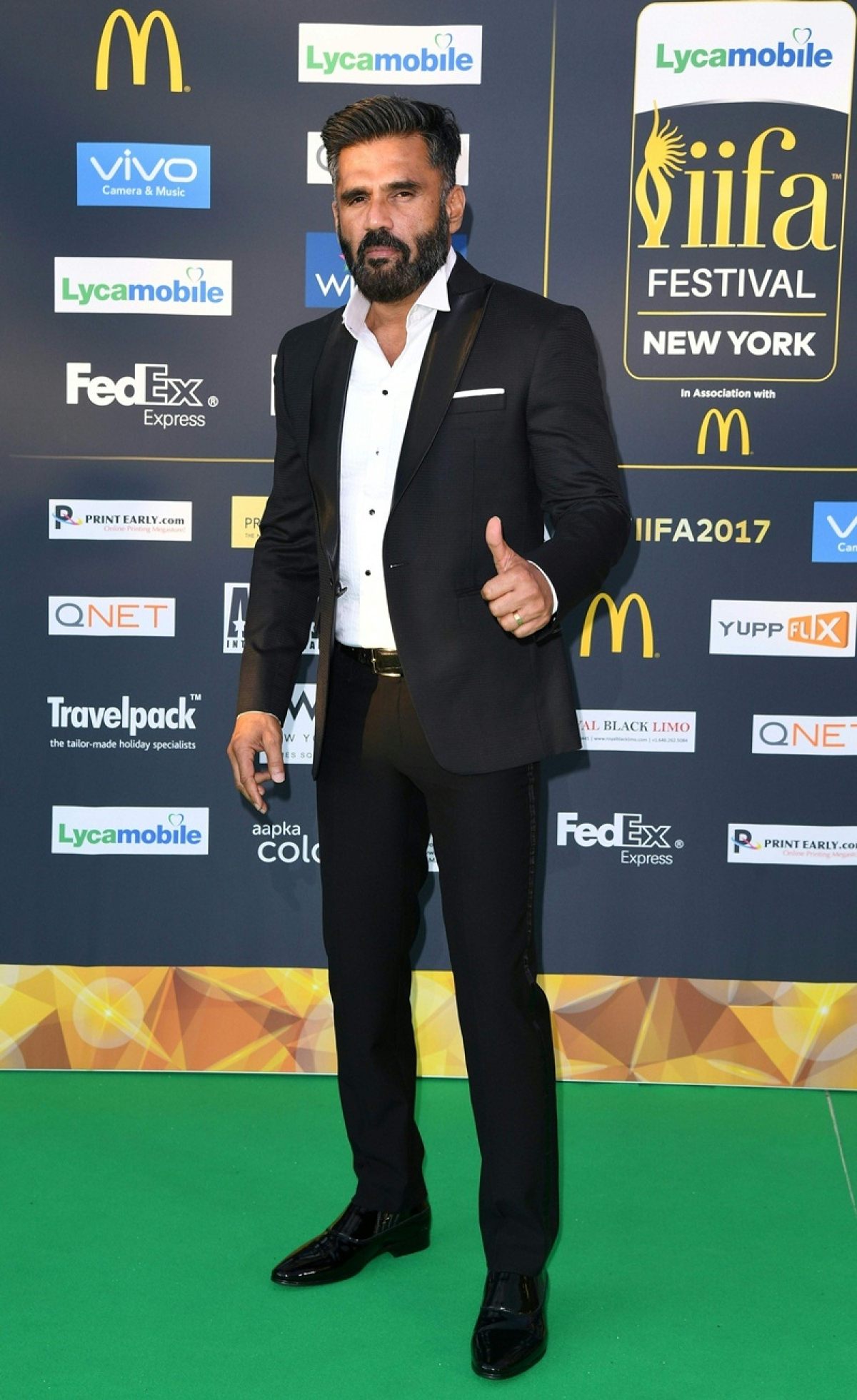 Bollywood Actor Sunil Shetty arrives for the IIFA Awards July 15, 2017 at the MetLife Stadium in East Rutherford, New Jersey during the 18th International Indian Film Academy (IIFA) Festival. / AFP PHOTO / ANGELA WEISS