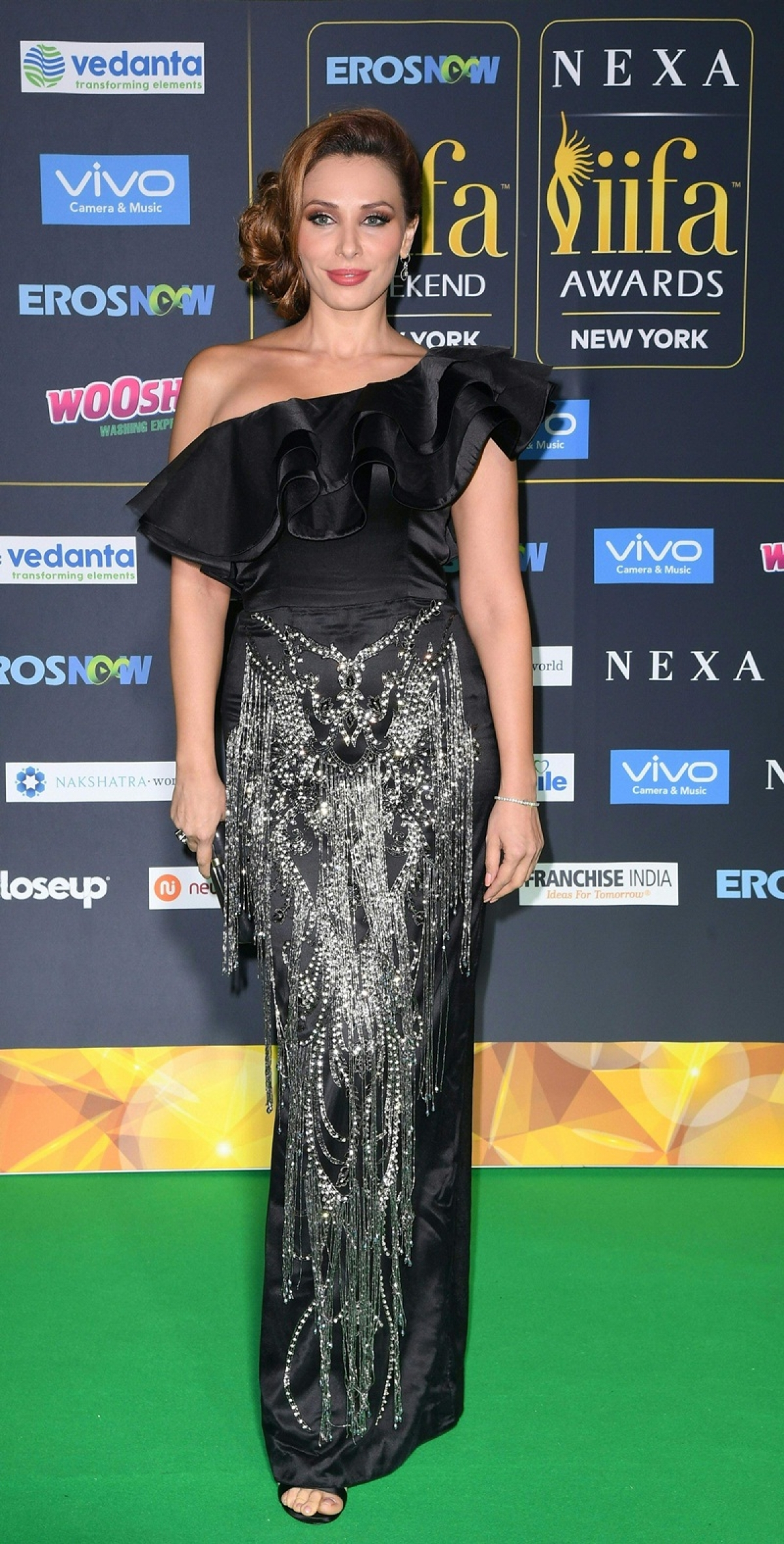 Lulia Vantur arrives for the IIFA Awards July 15, 2017 at the MetLife Stadium in East Rutherford, New Jersey during the 18th International Indian Film Academy (IIFA) Festival. / AFP PHOTO / ANGELA WEISS