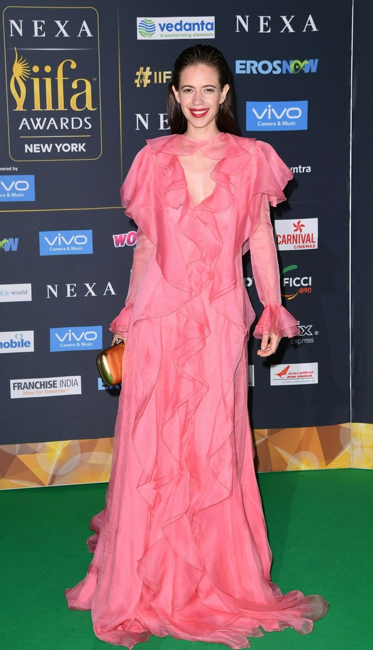 Bollywood actress Kalki Koechlin arrives for the IIFA Awards July 15, 2017 at the MetLife Stadium in East Rutherford, New Jersey during the 18th International Indian Film Academy (IIFA) Festival. / AFP PHOTO / ANGELA WEISS