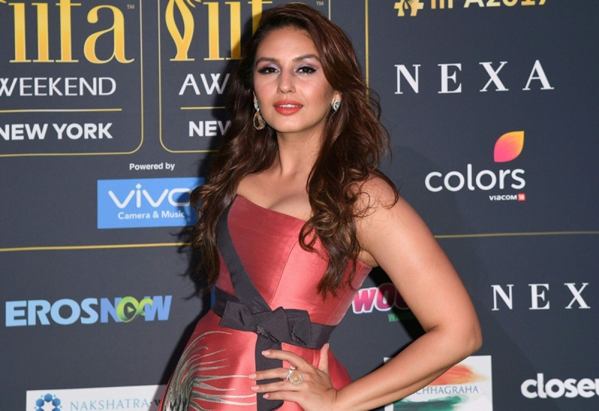 Bollywood Actress Huma Qureshi arrives for the IIFA Awards July 15, 2017 at the MetLife Stadium in East Rutherford, New Jersey during the 18th International Indian Film Academy (IIFA) Festival. / AFP PHOTO / ANGELA WEISS