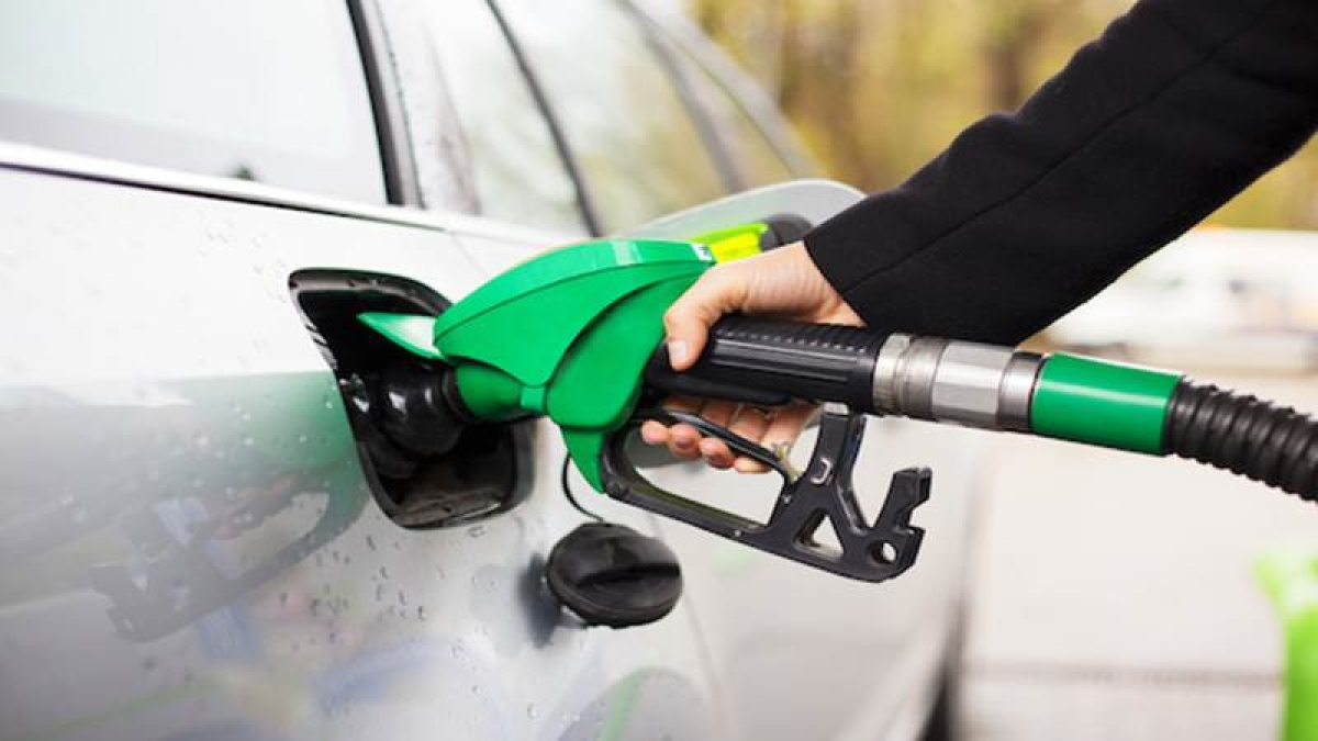 Fuel Price Hike: Fuel prices witness fresh hike, petrol at Rs 91.20 per litre in Mumbai