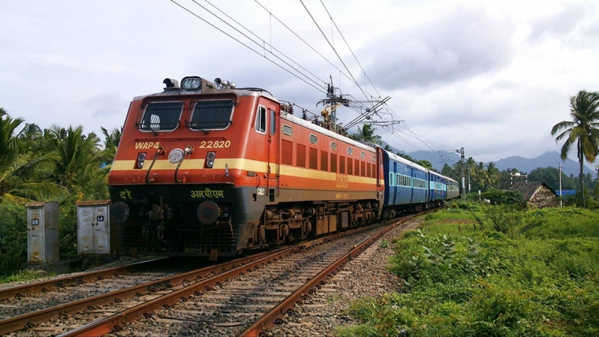 Visakha Express rolls with AC coaches, leaves behind other bogies