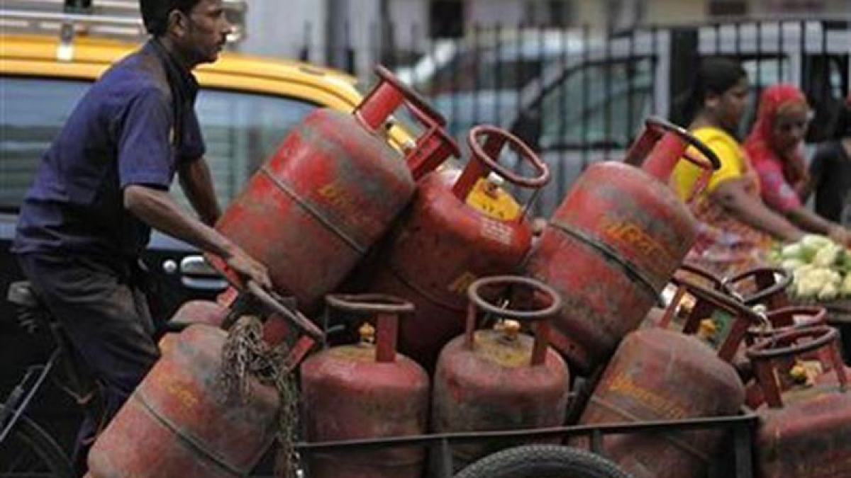 LPG subsidy payment issue relates to Airtel customers: Ministry