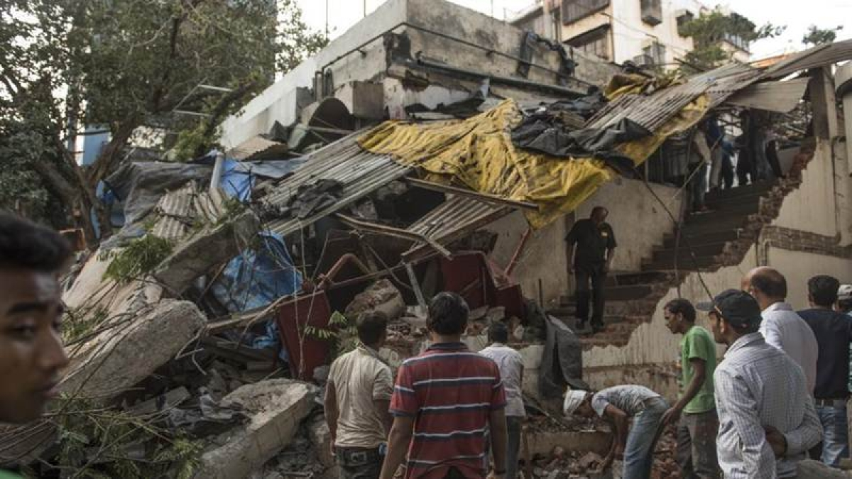 Mumbai: Authorities pass buck over demolishing unauthorised structure