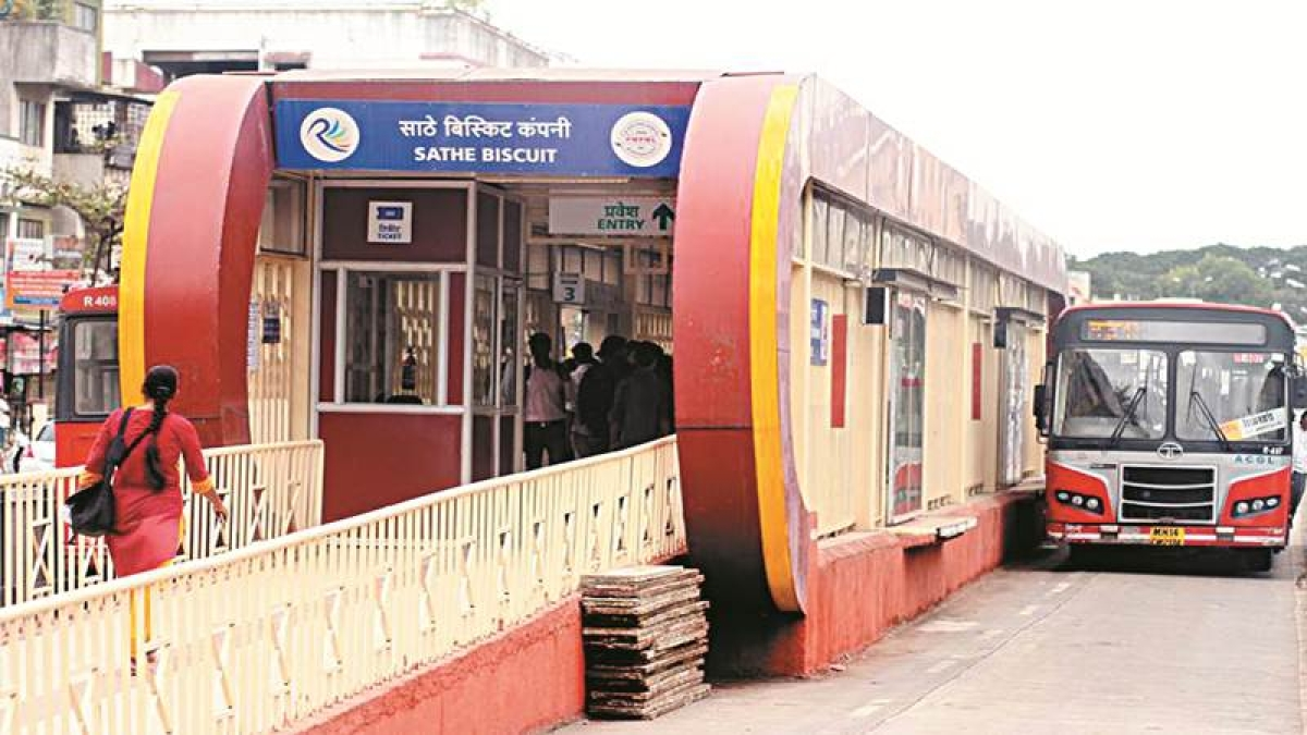 BRTS needs to be developed along with Metro Rail