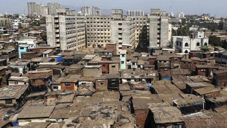 Mumbai: Slumdwellers allege builder forged documents to accommodate illegal tenants