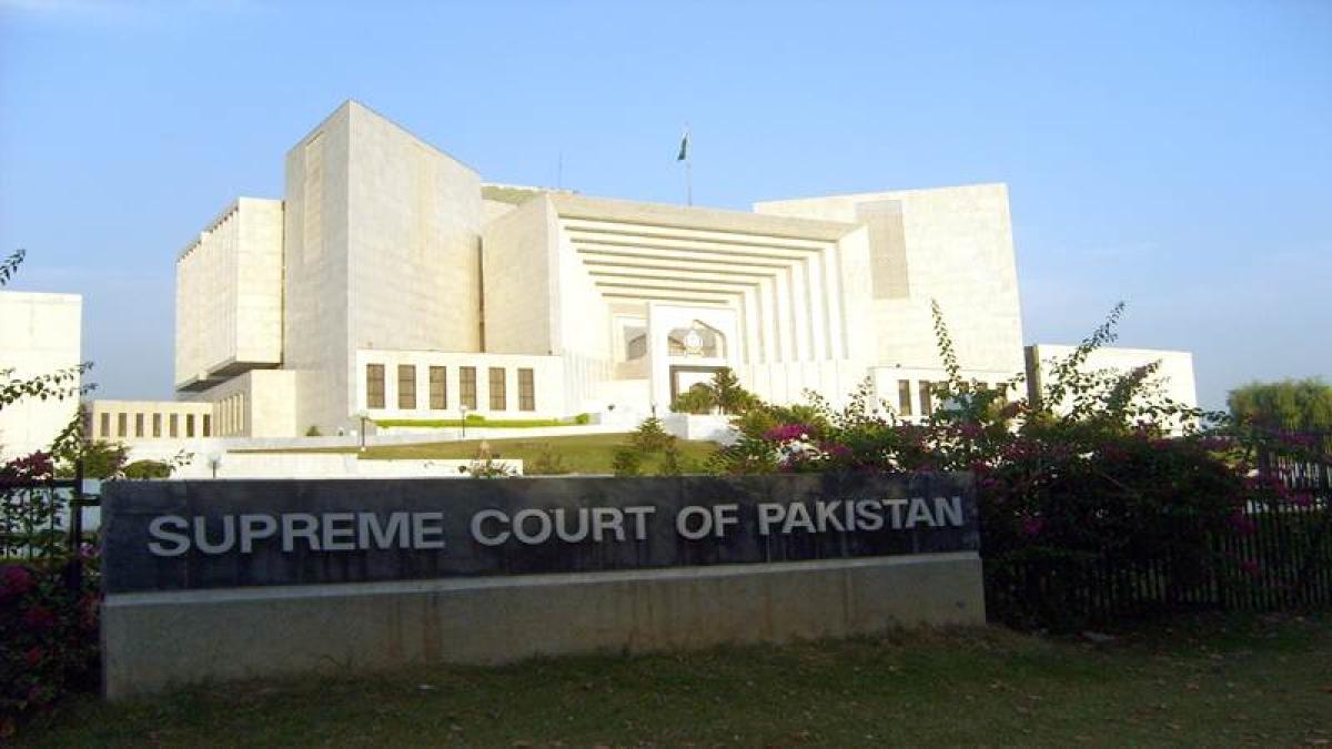Pakistan Supreme Court overturns Christian woman's blasphemy death sentence