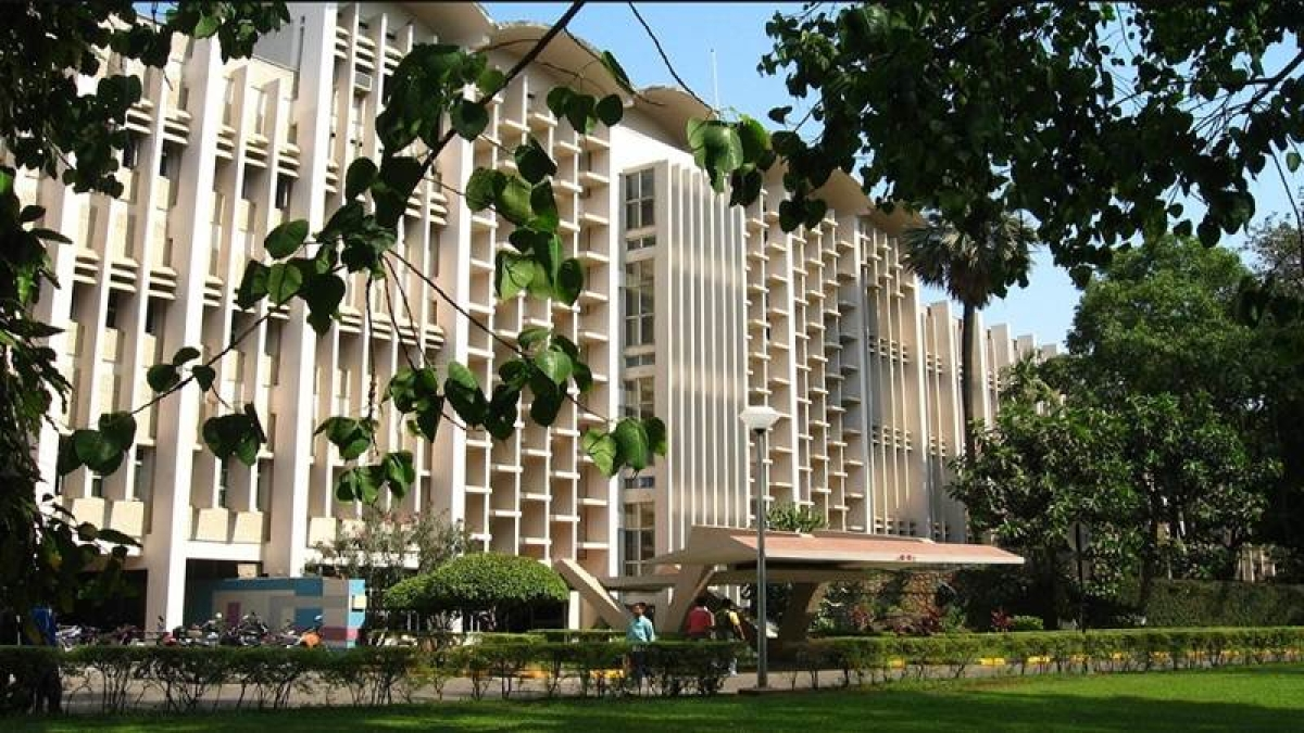 Mumbai: Pranab Mukherjee, Hamid Karzai will address IIT-B's tech fest
