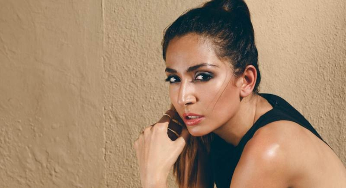 Indian singer Monica Dogra slams United Airlines over baggage loss