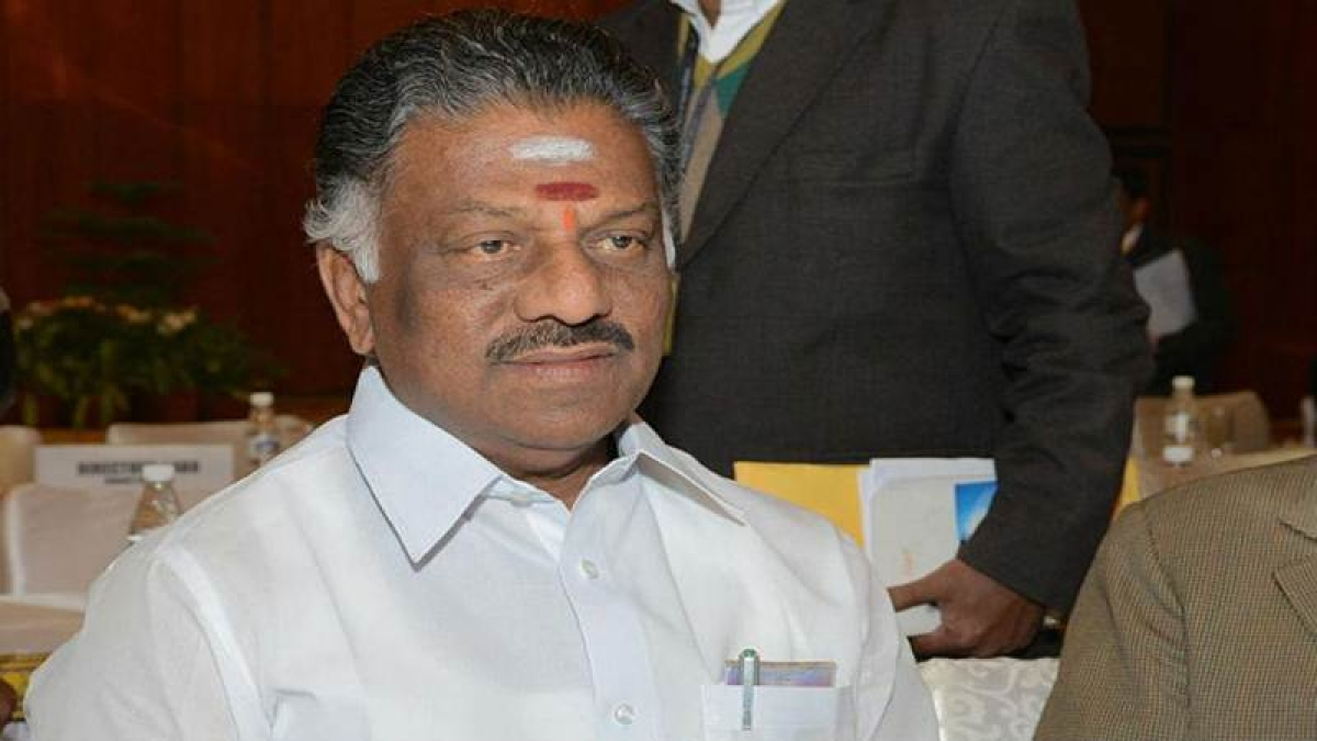 Madras HC dismisses DMK's plea seeking disqualification of Panneerselvam and 10 other MLAs