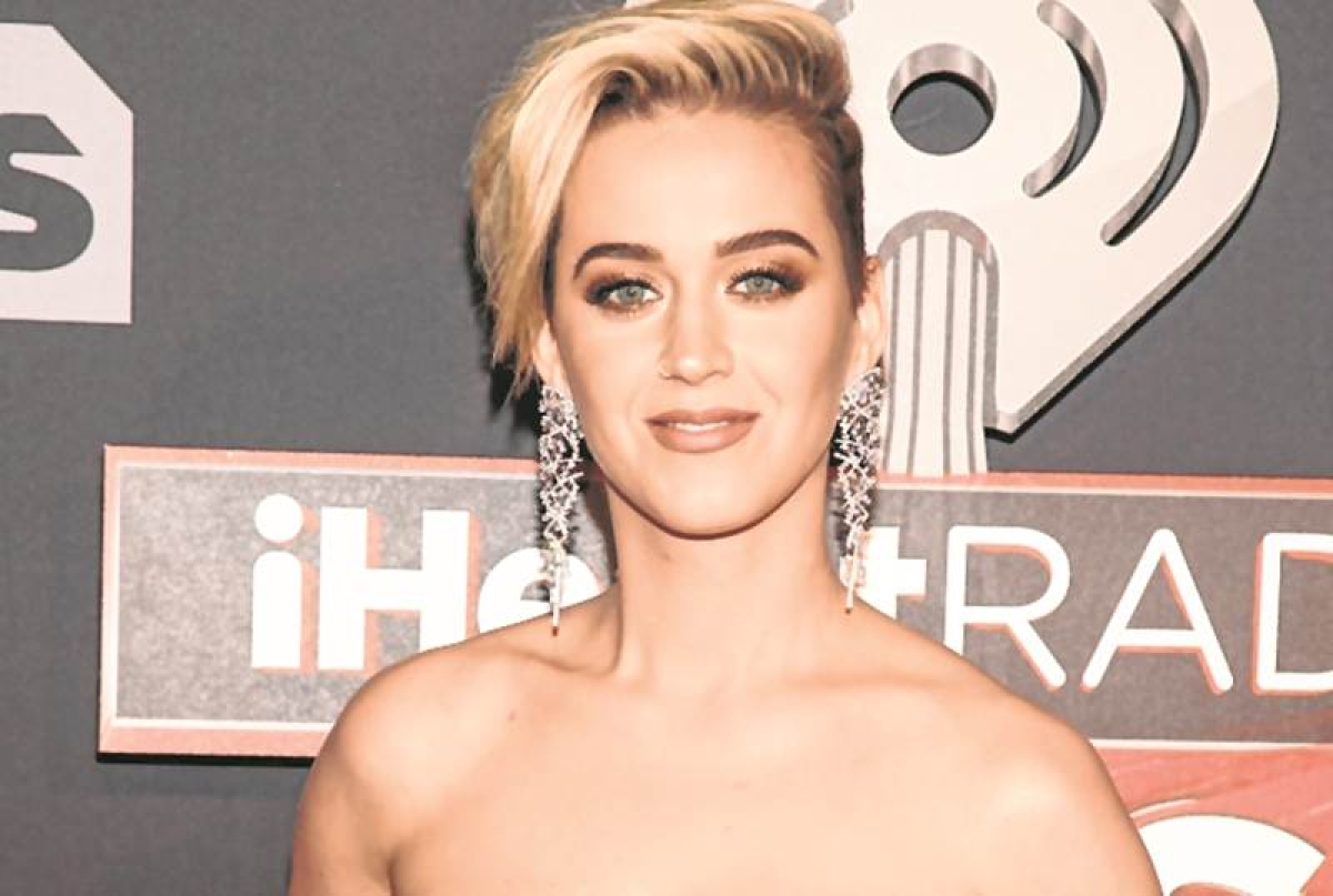 Katy Perry laughs off romance rumours with Niall Horan