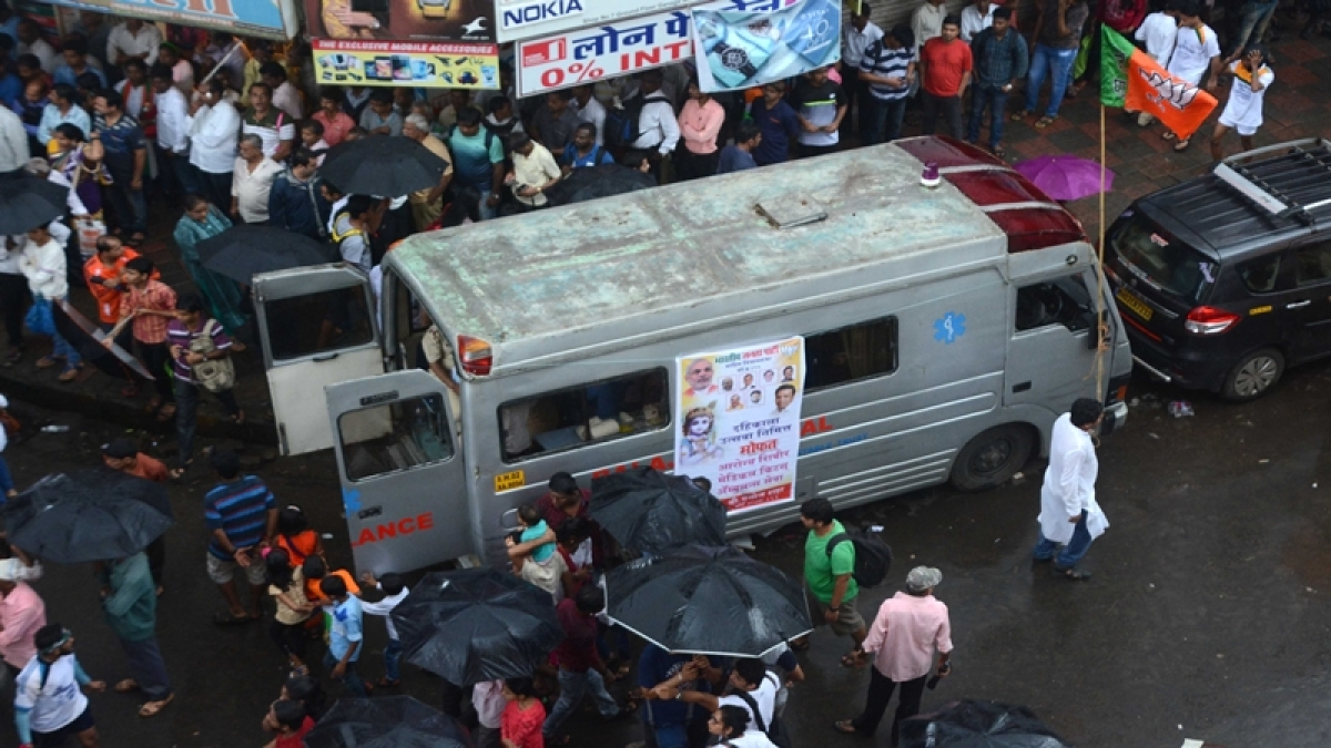 Mumbai: Hospitals promptly treat injured govindas follow norms