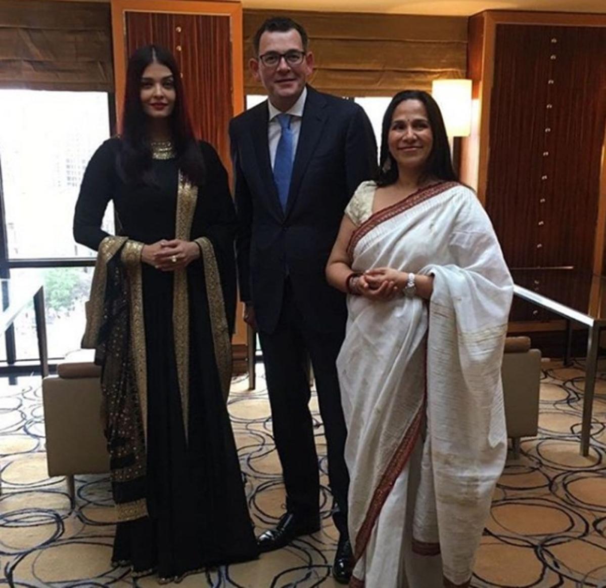 Beauty in black! Aishwarya Rai Bachchan graces IFFM 2017 red carpet