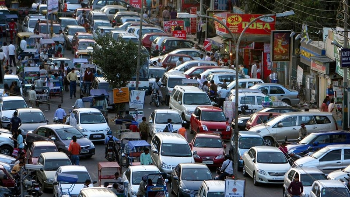 Mumbai: Vehicle owners parking on immersion routes to face criminal charge
