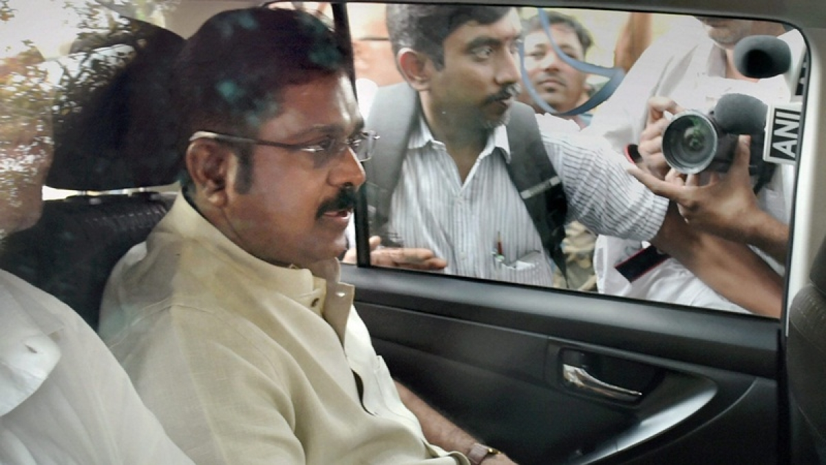 SC refuses to give 'pressure cooker' symbol to Dhinakaran, asks Delhi HC to dispose pending case within four weeks