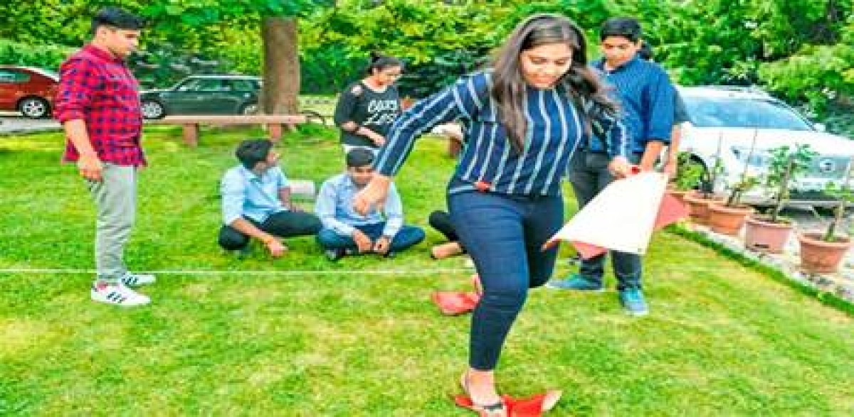 Indore: Education experts, industry leaders share experience with students