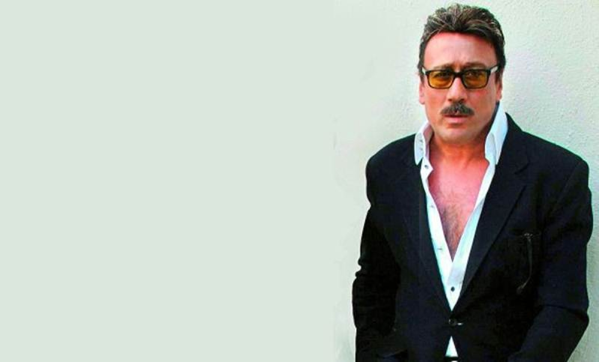 7 Bollywood actors who are fit at 50 plus
