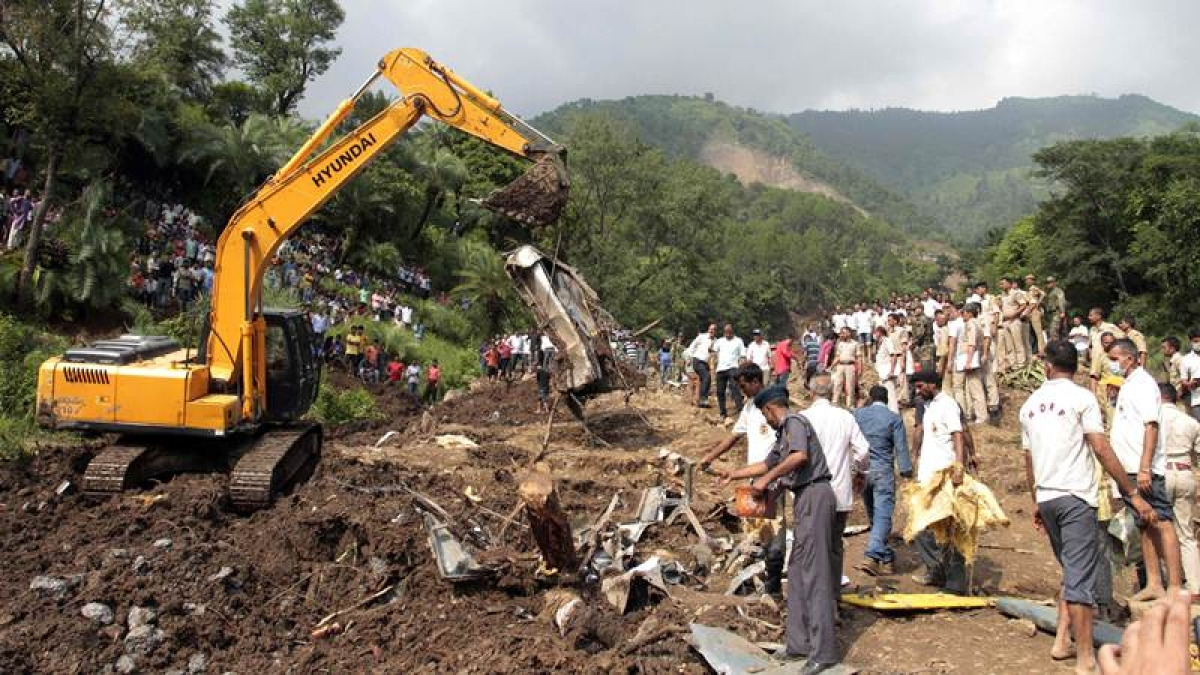 Himachal mudslide: Rescue operations continue