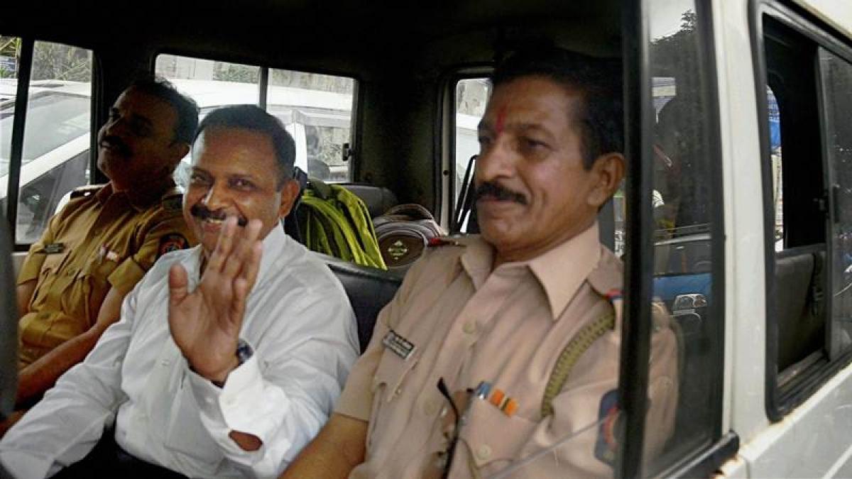 Mumbai: Lt. Col. Shrikant Prasad Purohit released from Taloja jail after 9 years